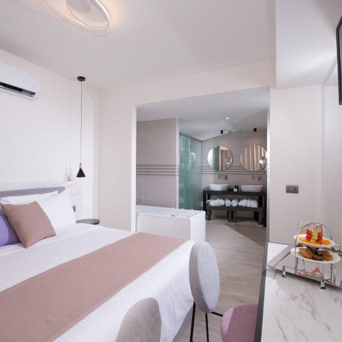 5005 Suite